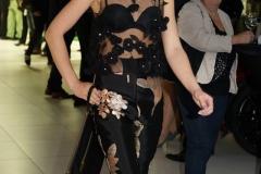 Sara Leupold Couture H/W 2018 Top aus schwarzer Tüllstickerei und Hose aus Seidenjaquard
