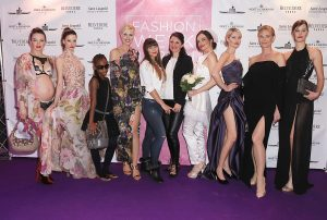 """Finale """"Eine Hommage an die Weiblichkeit"""" Berlin Fashion Week"""